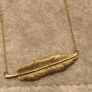 Madewell beautiful feather necklace NWT